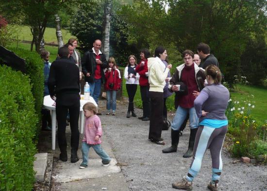 Accueil des participants aprés 3 heures de randonnée